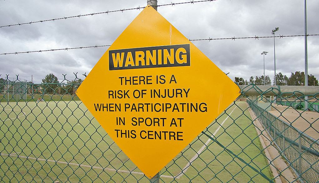 Sport_injury_warning_sign