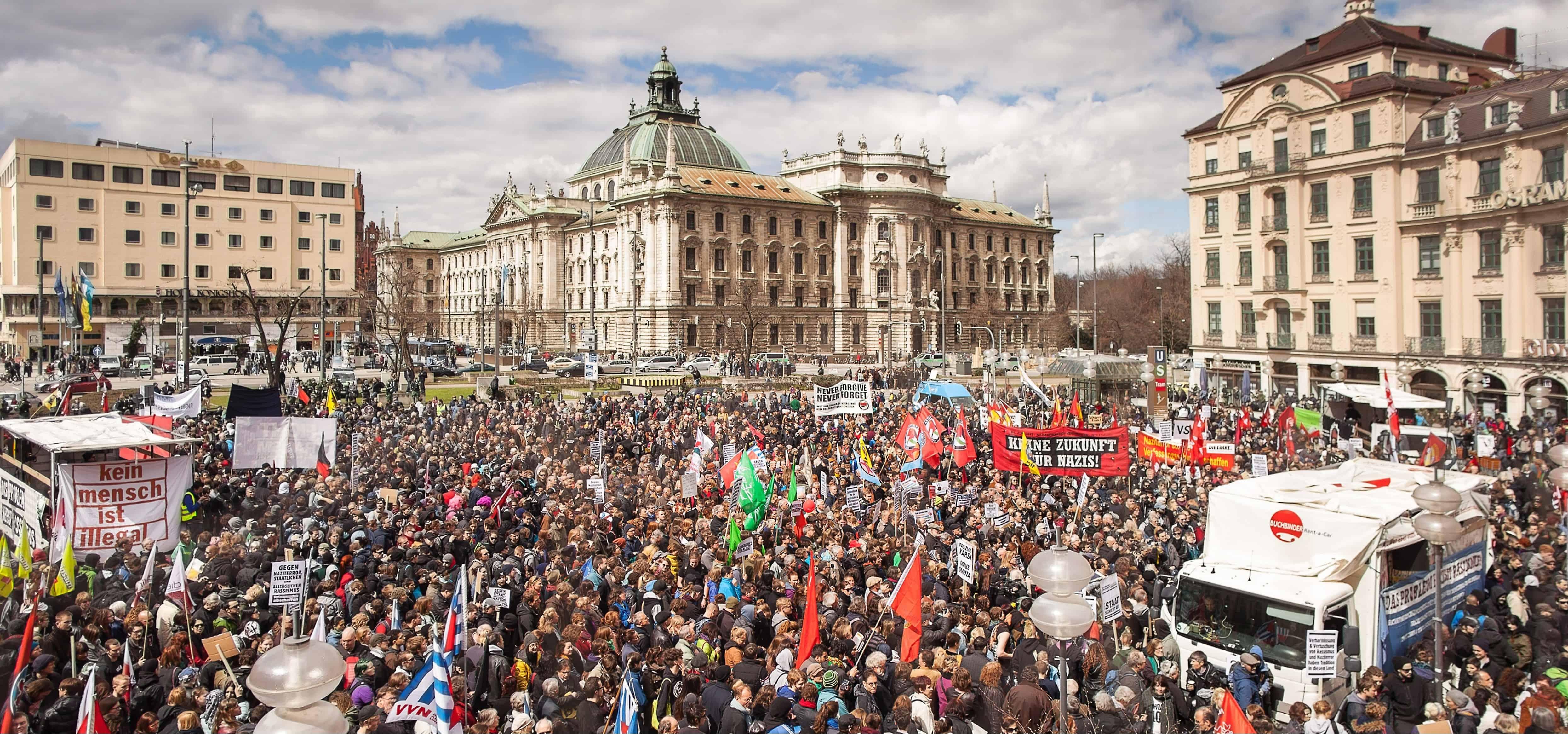 tüntetés2