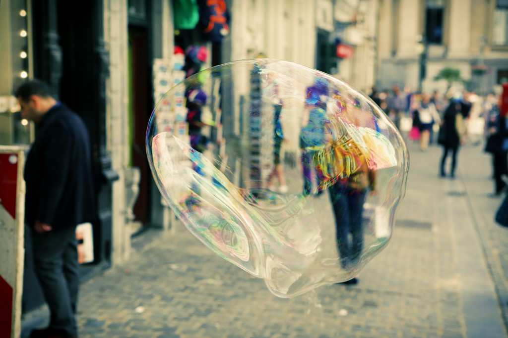 city-people-bubble-soap
