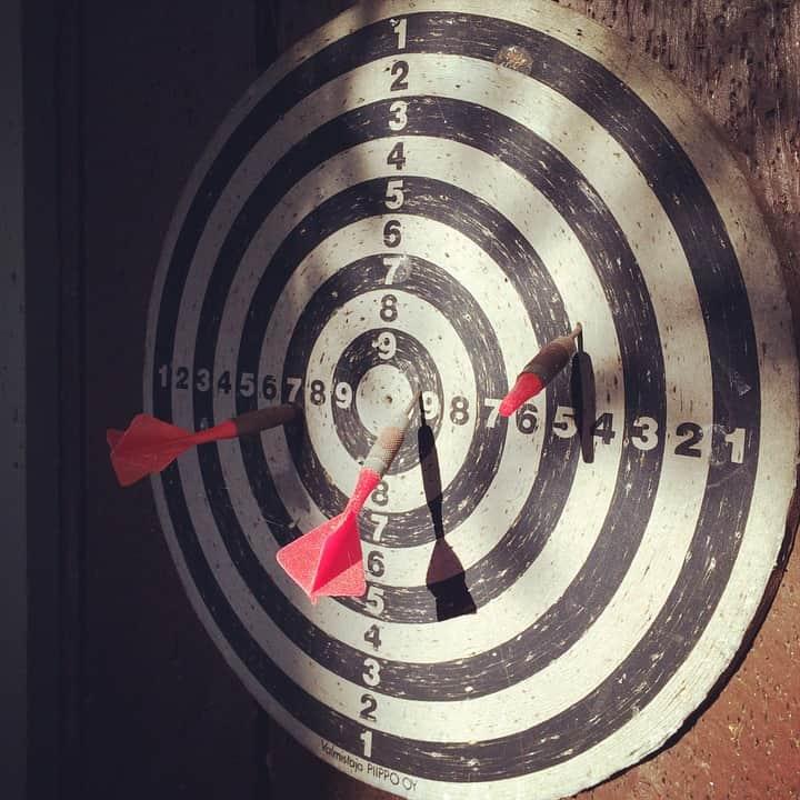 dart-board-443379_960_720