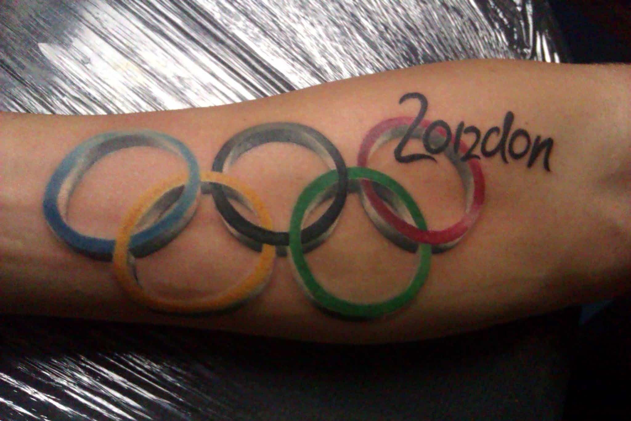 A sportolók esetében közkedvelt motívum az olimpiai ötkarika.
